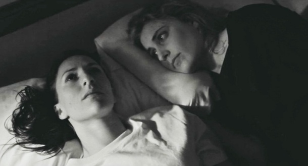 Mickey Sumner and Greta Gerwig in Frances Ha